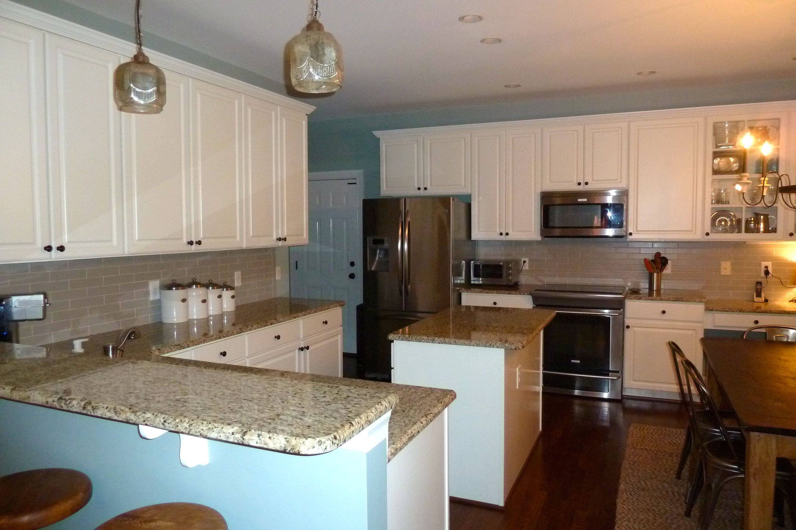 Wellsley Cary Nc Bright And Inviting Kitchen Cheap Kitchen Cabinets Kitchen Cabinet Remodel Buy Cabinets
