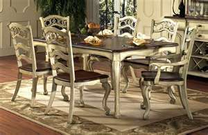 Tavolo Da Pranzo In Francese : Love this french inspired dining set for the home