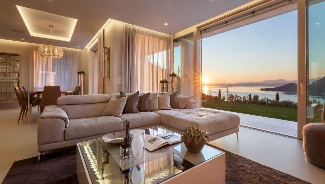 16 salas elegantes com muitas ideias para reproduzir a em for Casa moderna open