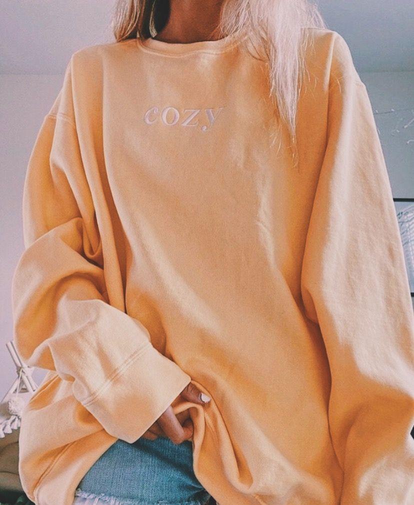 P I N T E R E S T Adrianam357 Cozy Sweatshirts Fashion Oversized Sweatshirt Outfit [ 1010 x 828 Pixel ]