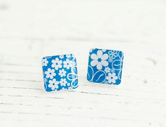 Flowers Posts Blue and White Posts Pattern Studs