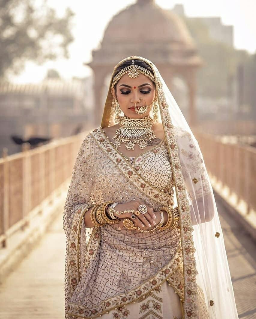 Simple Yet Elegant Indian Bridal Outfits Bridal Wear Indian Wedding Outfits [ 1066 x 853 Pixel ]
