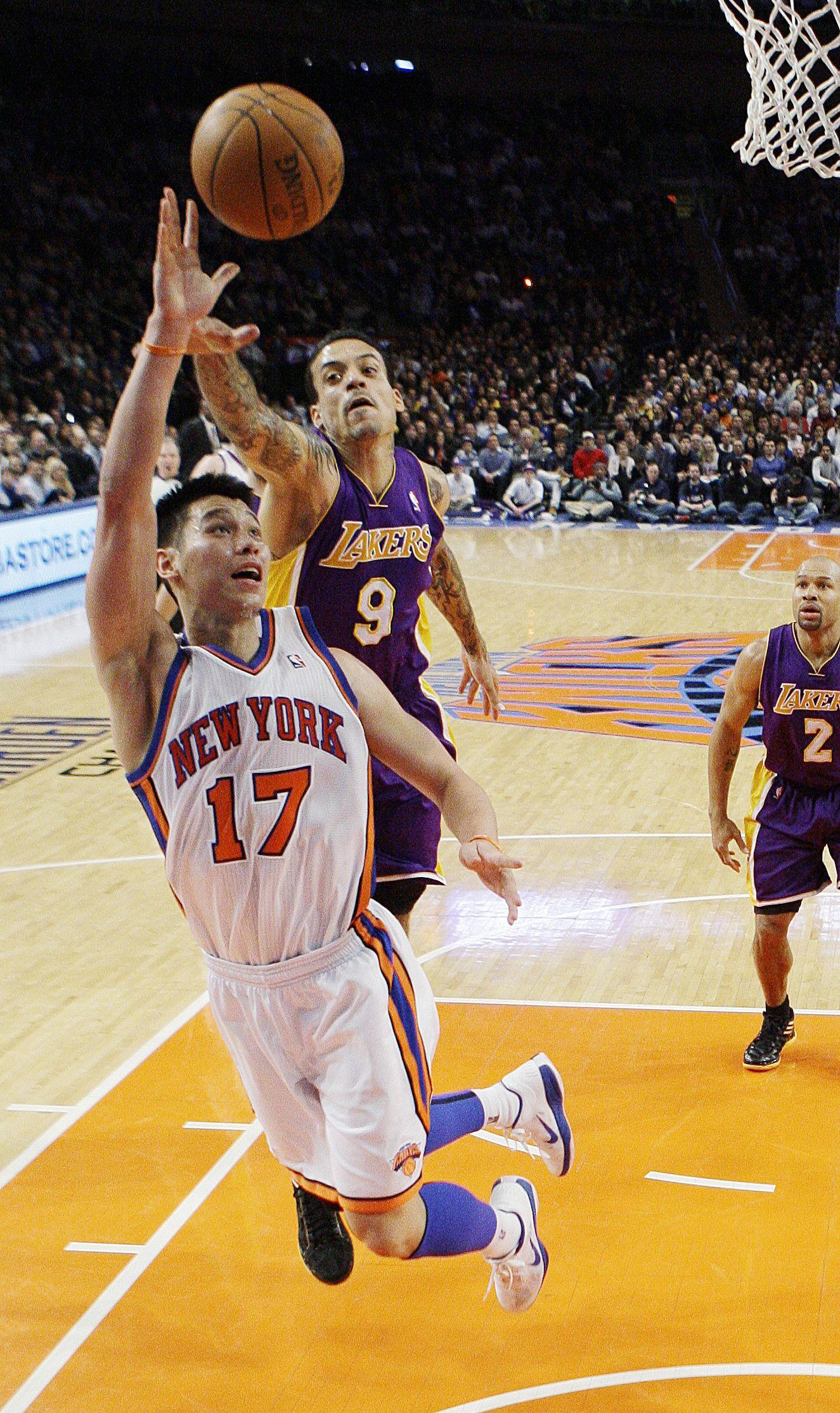 Lin Scores 38 To Lead Knicks Over Lakers 92 85 Jeremy Lin New York Knicks Knicks
