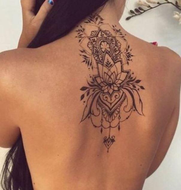 immagine,tatuaggio,mandala,sulla,schiena