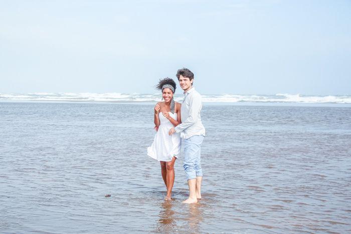 Deux amoureux à la plage par Julie Apparences - Mlle Bride