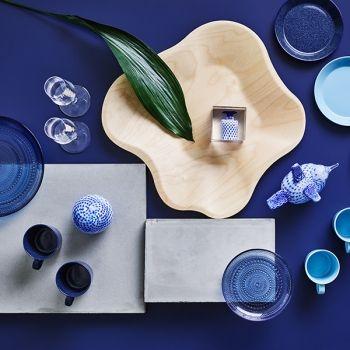 Iittala's classics Teema and Kastehelmi in new shades of blue