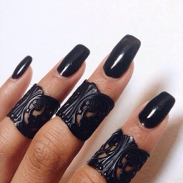 Black rings☻
