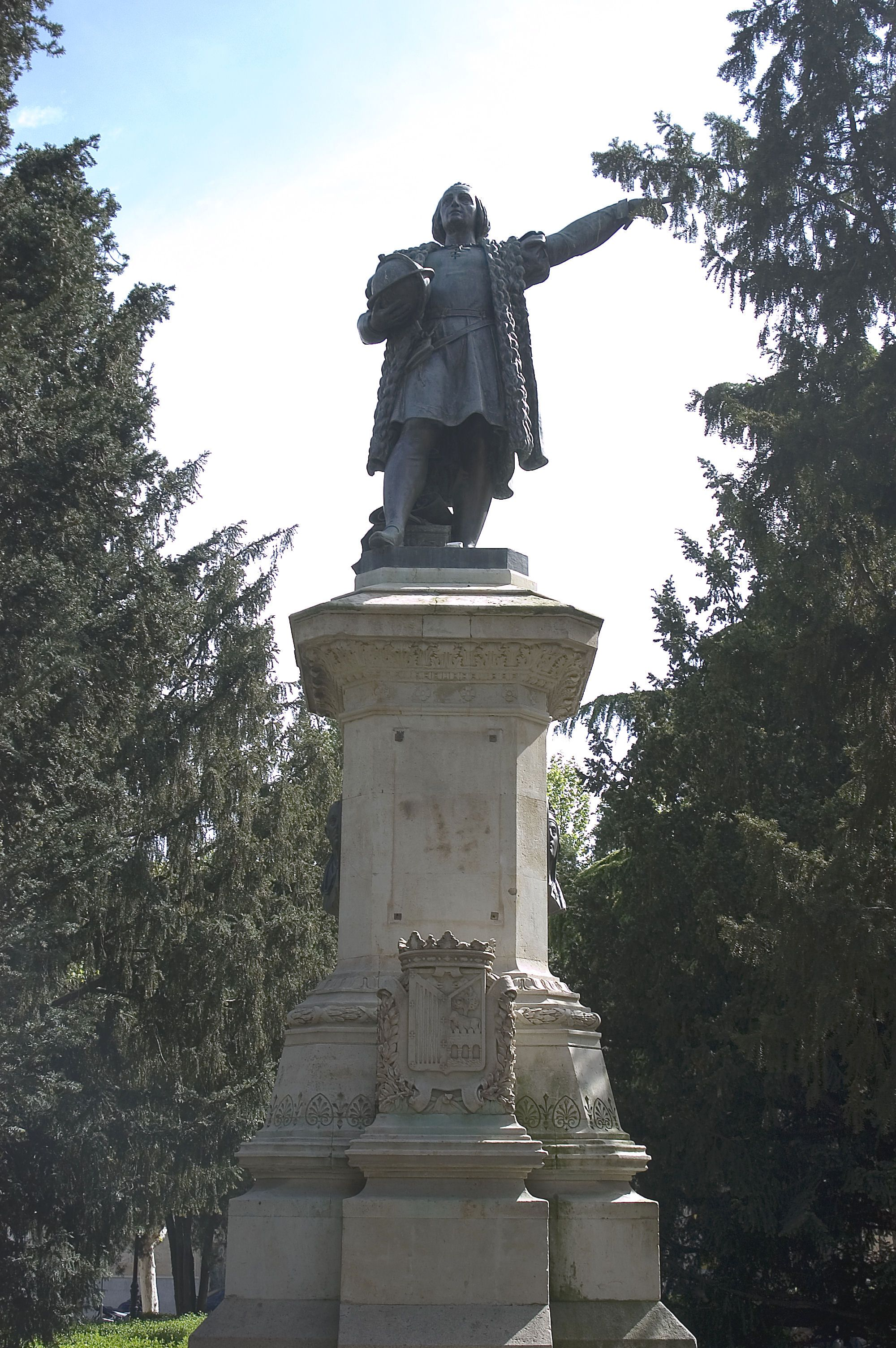 Statue Of Christopher Columbus In Spain Christopher Columbus Columbus Who Was Christopher Columbus