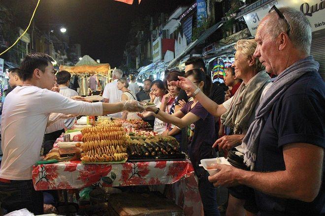 10 chợ đêm Việt Nam tấp nập du khách