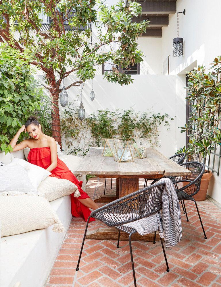 Shay Mitchell (in her dreamy new backyard)