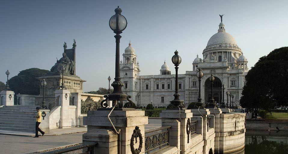 Victoria Memorial, Kolkata, West Bengal, India by Bhaswaran Bhattacharya/Photolibrary ©