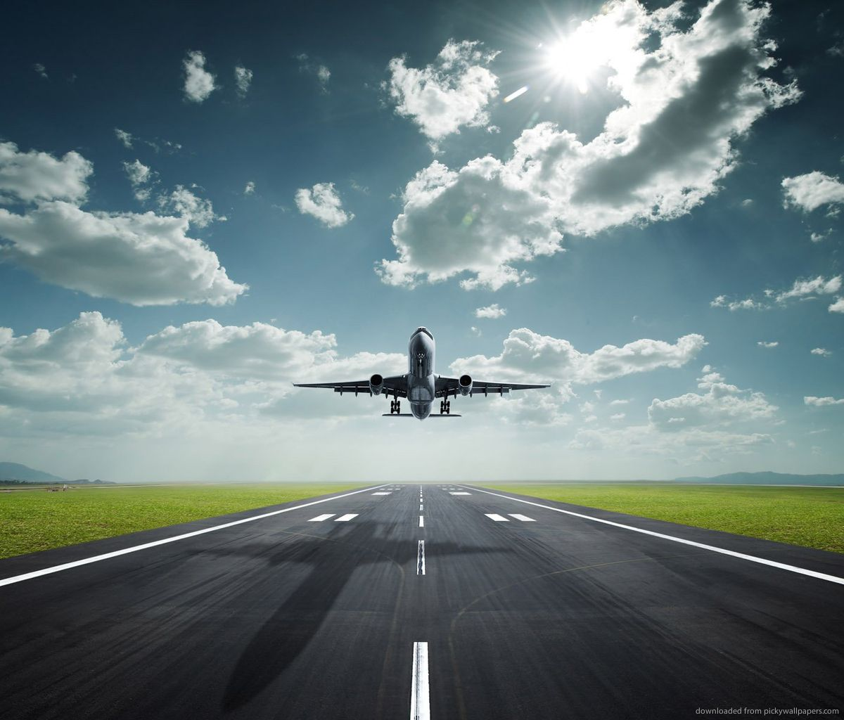 Download Amazing Lifting Off Airplane Wallpaper For