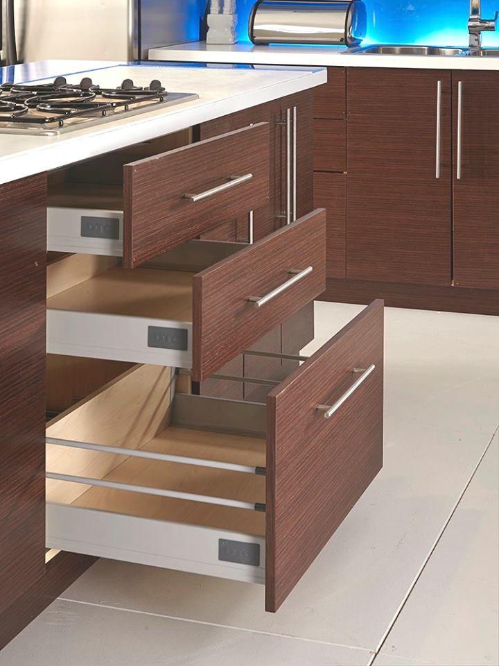 Roberto fiore modern elegance kitchen cabinets the for Cliqstudios vs ikea