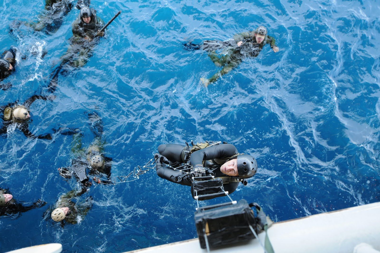 Paul Davis On Crime Cool Photo US Navy SEALs In Training