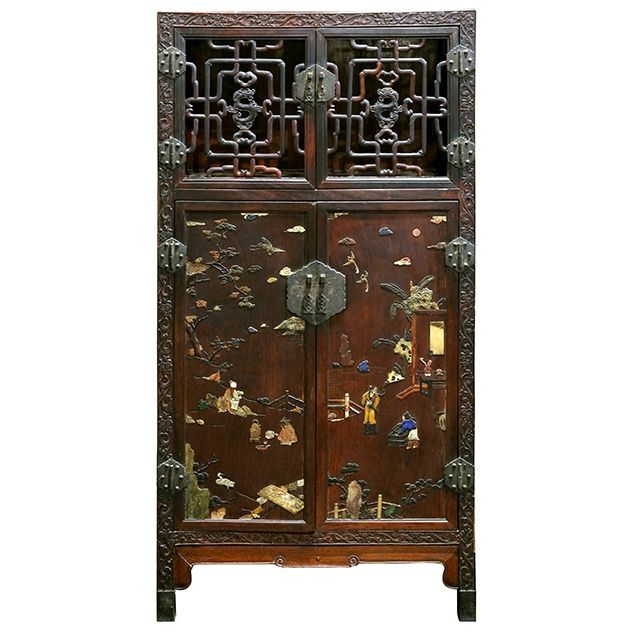 Chinese qing dynasty cabinet soars to 230 000 chinese - Mueble chino antiguo ...