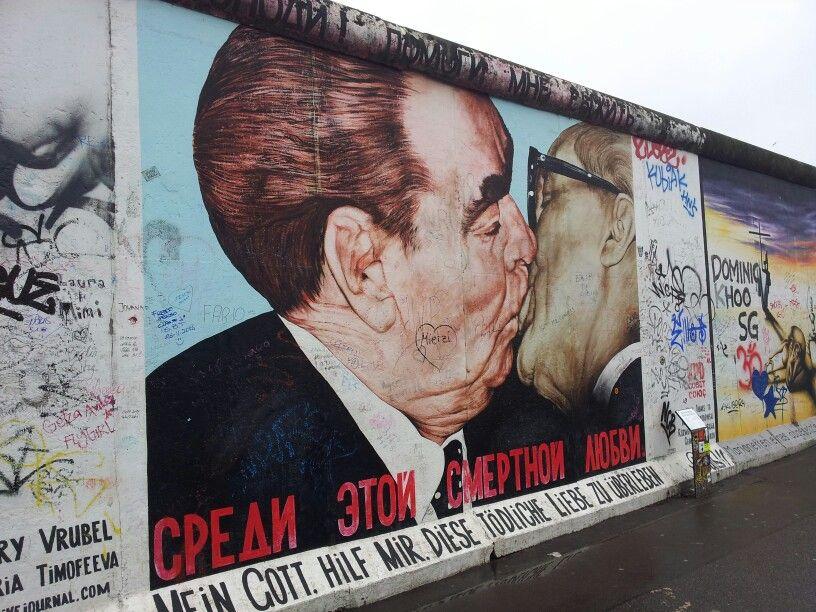 East Side Gallery Berlin East Side Gallery Berlin Wall Street Art