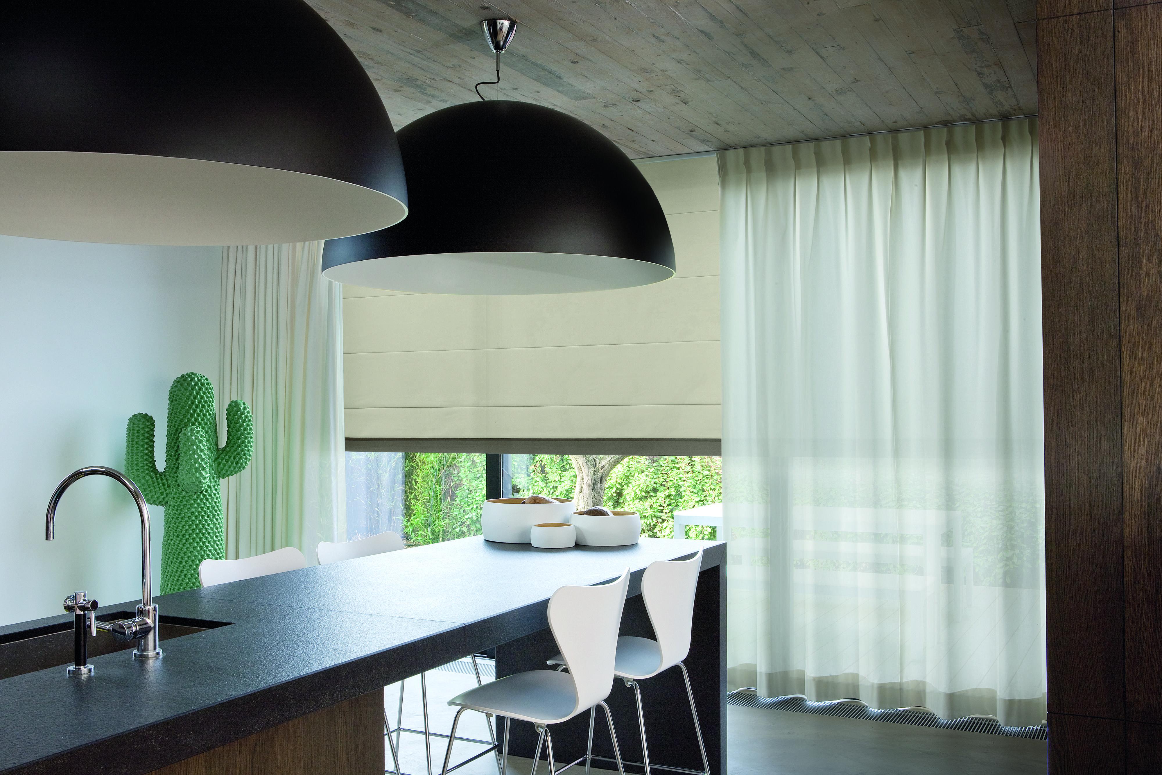 Binnenhuisinrichting raamgarnering keuken vouwgordijnen te