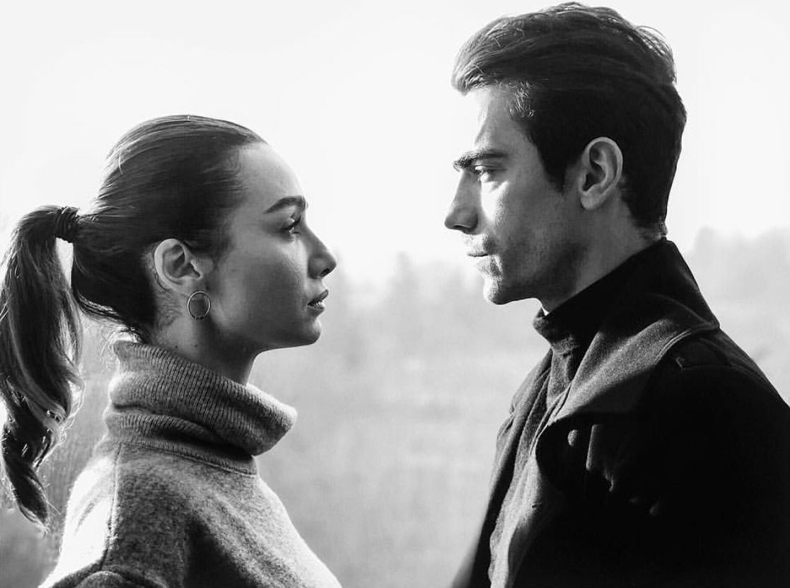 Siyahbeyazask Asfer Couples In Love Black And White Love Lovely Eyes
