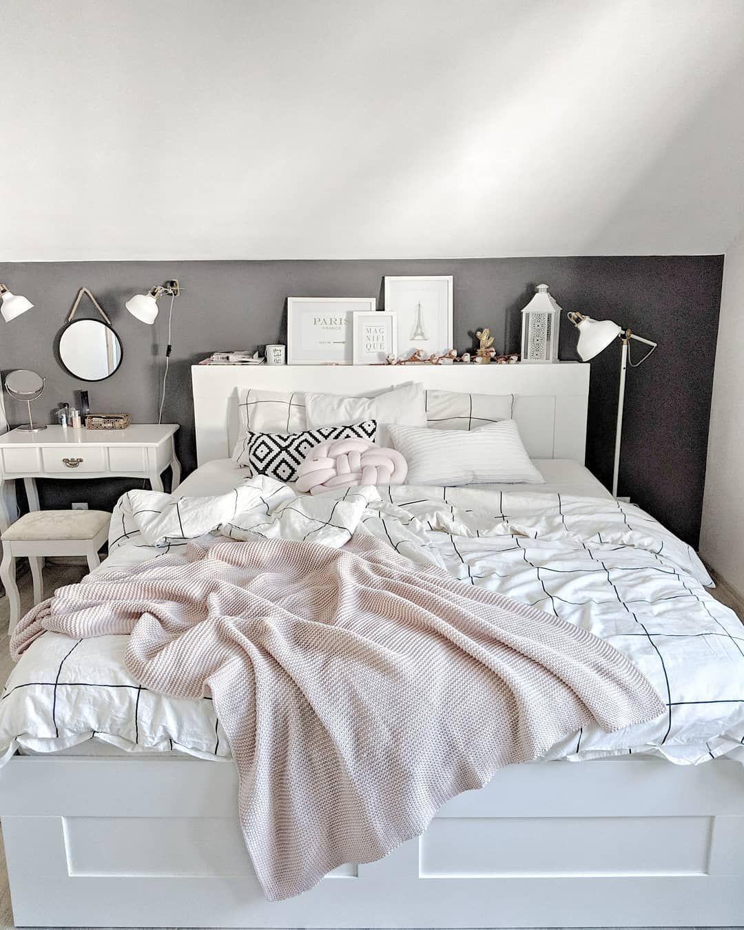 Sypialnia Szara ściana łóżko Ikea Brimnes Bed Brimnes