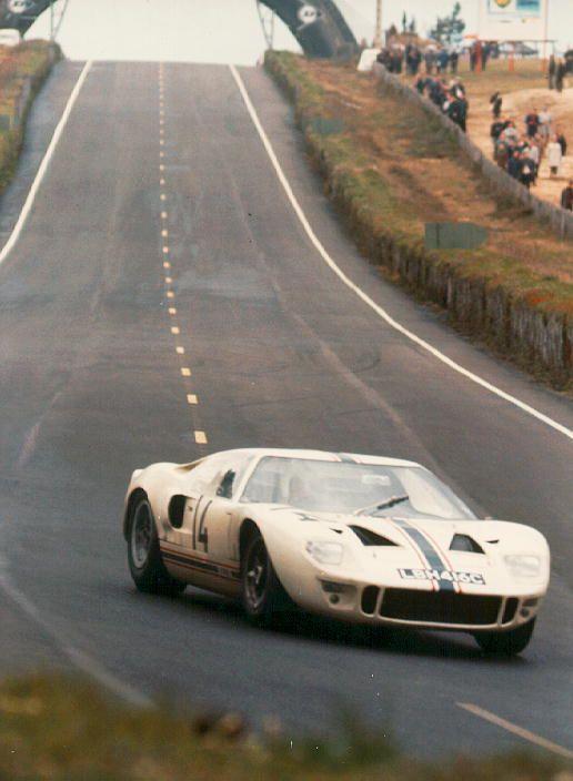 1966 Ford Gt 40 P 1007 Ford 4 727 Cc A Guy Ligier Henri