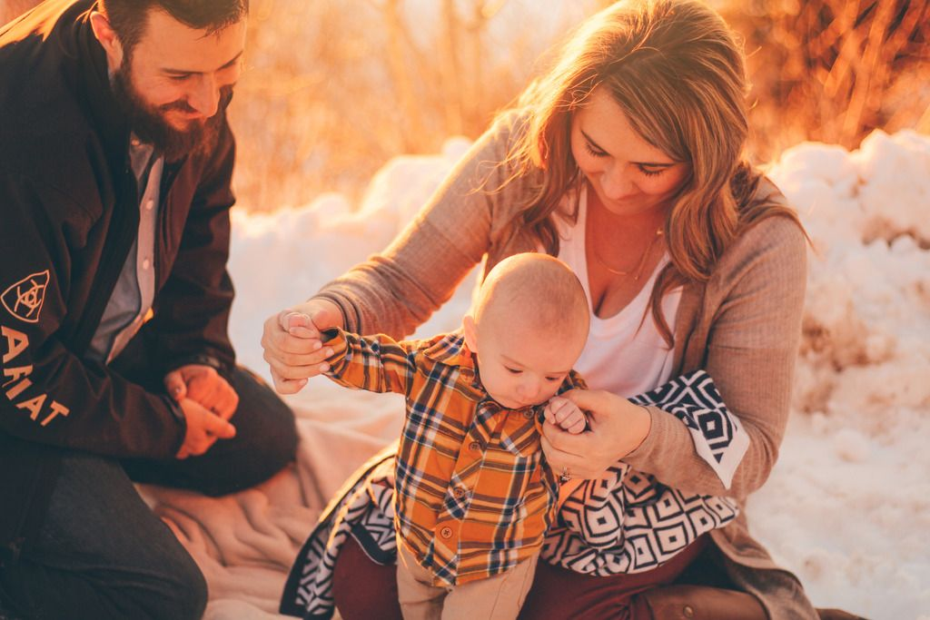 Family Session + The Olsen's - Lifestyle Portrait Photography specializing in Engagements, Weddings, Senior, Family, Maternity, Birth, New born