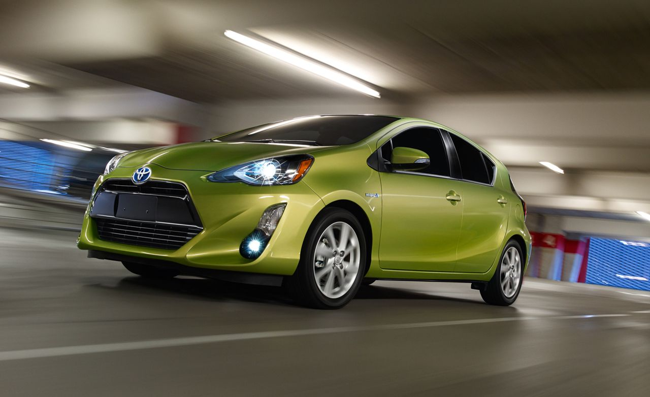 2020 Toyota Prius Review Pricing And Specs Toyota Prius