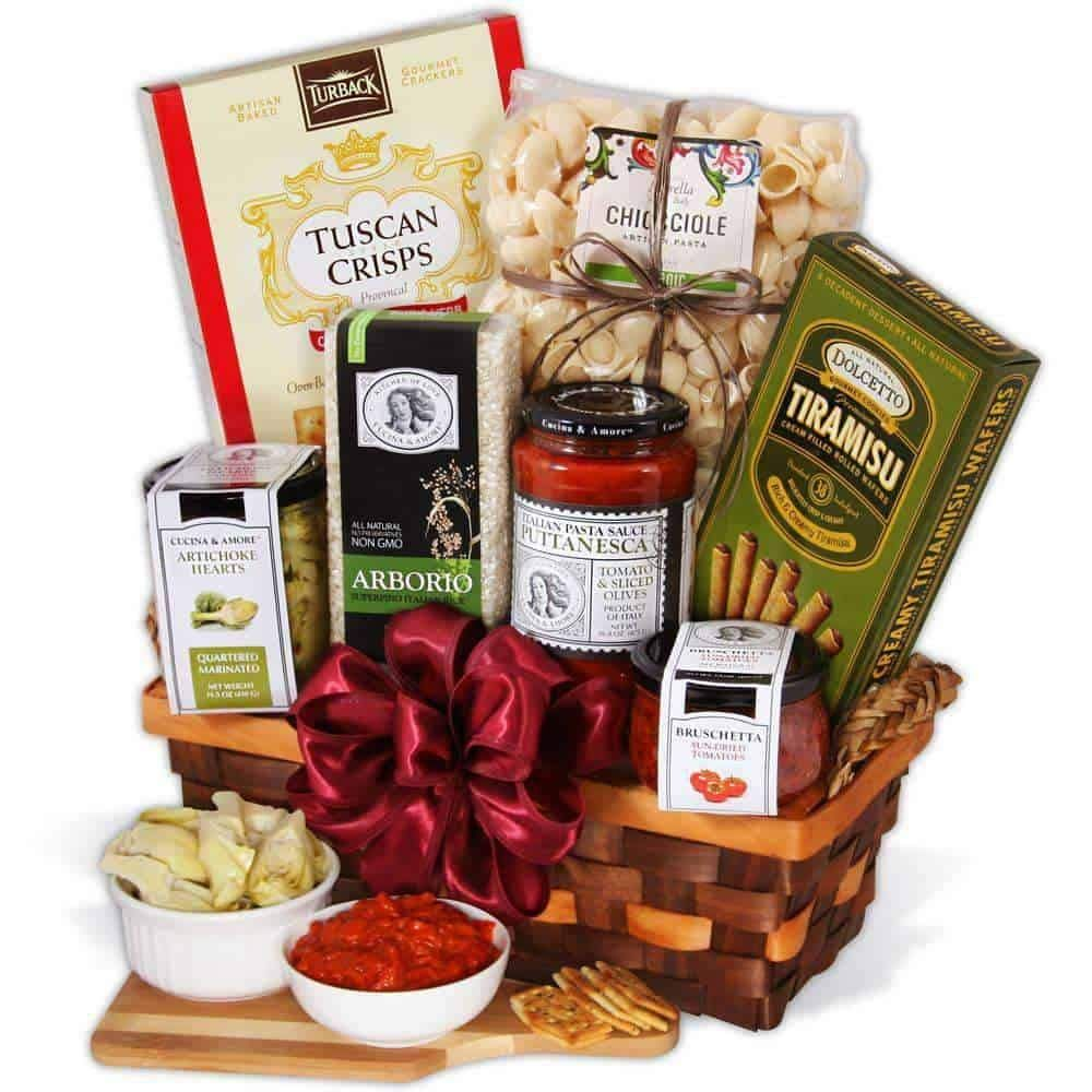 Gourmet Gift Baskets Table In Tuscany Italian Gift Basket Italian Gift Baskets Italian Gifts Gourmet Food Basket