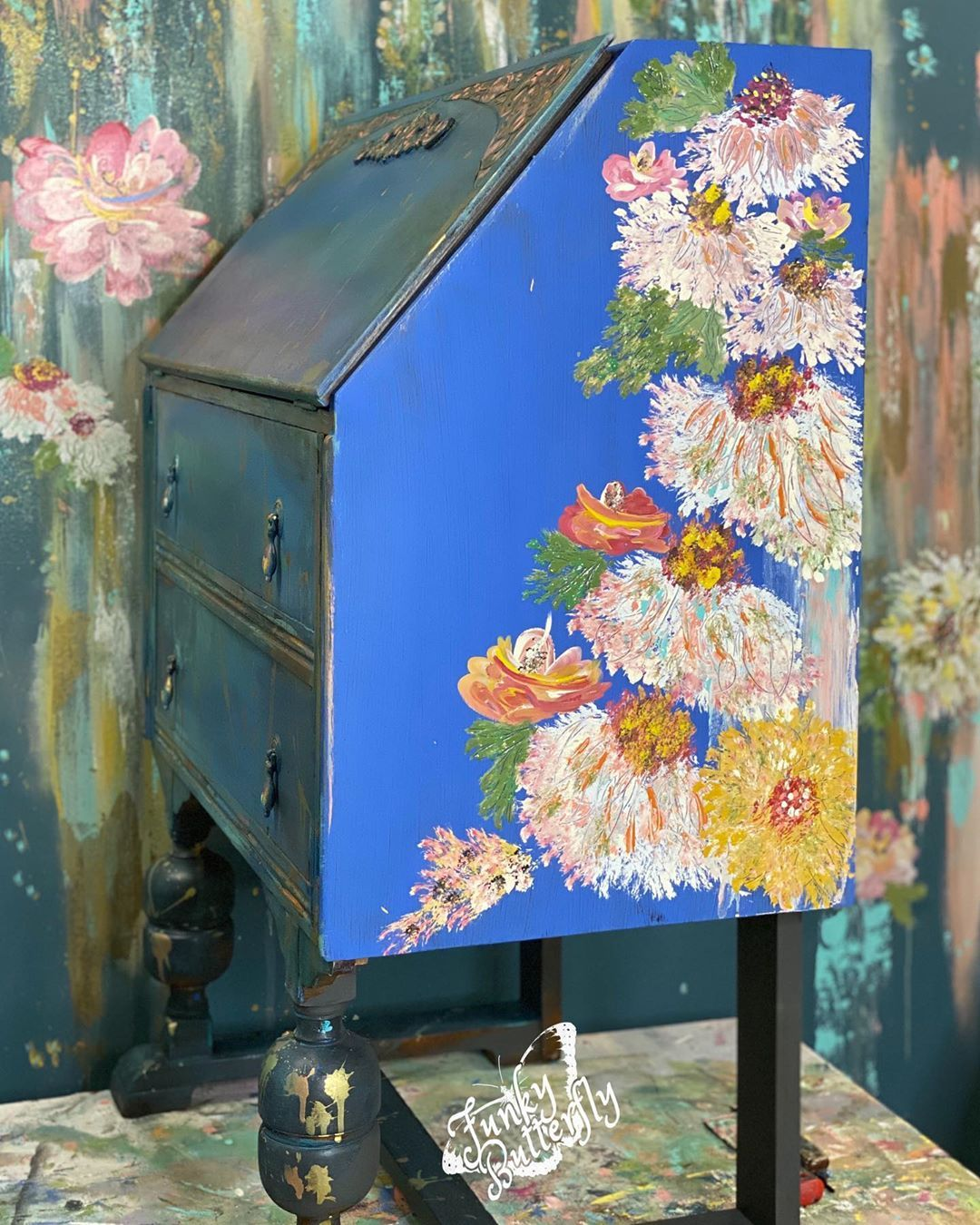 "Funky Butterfly 🦋 on Instagram: ""Finishing up this magical desk. She's almost done #diypaint #debisdesigndiary #furnitureartist #handpaintedfurniture #handpaintedflowers…"""
