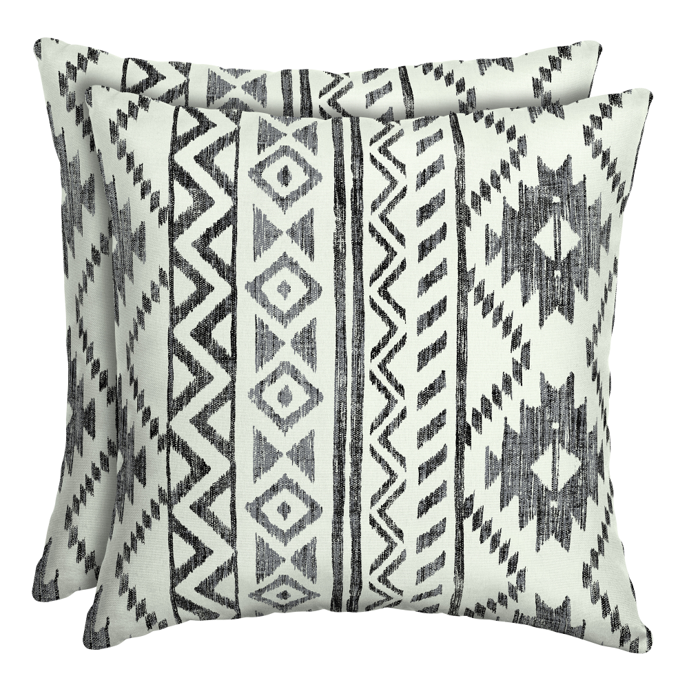Patio Garden In 2020 Throw Pillows Outdoor Throw Pillows
