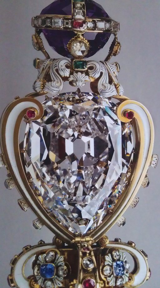 The Cullinan Diamond I, known as the Star of Africa ...