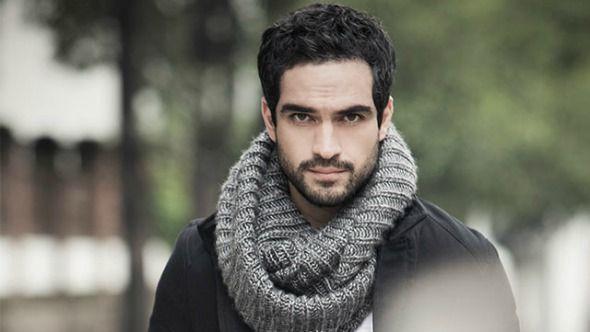 Uriel    Nyx    Alfonso Herrera