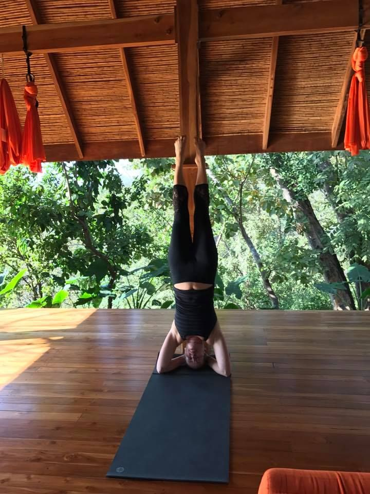 Yogini In Paradise With Eos Retreats Postnatal Workout Daily Workout Integrative Nutrition