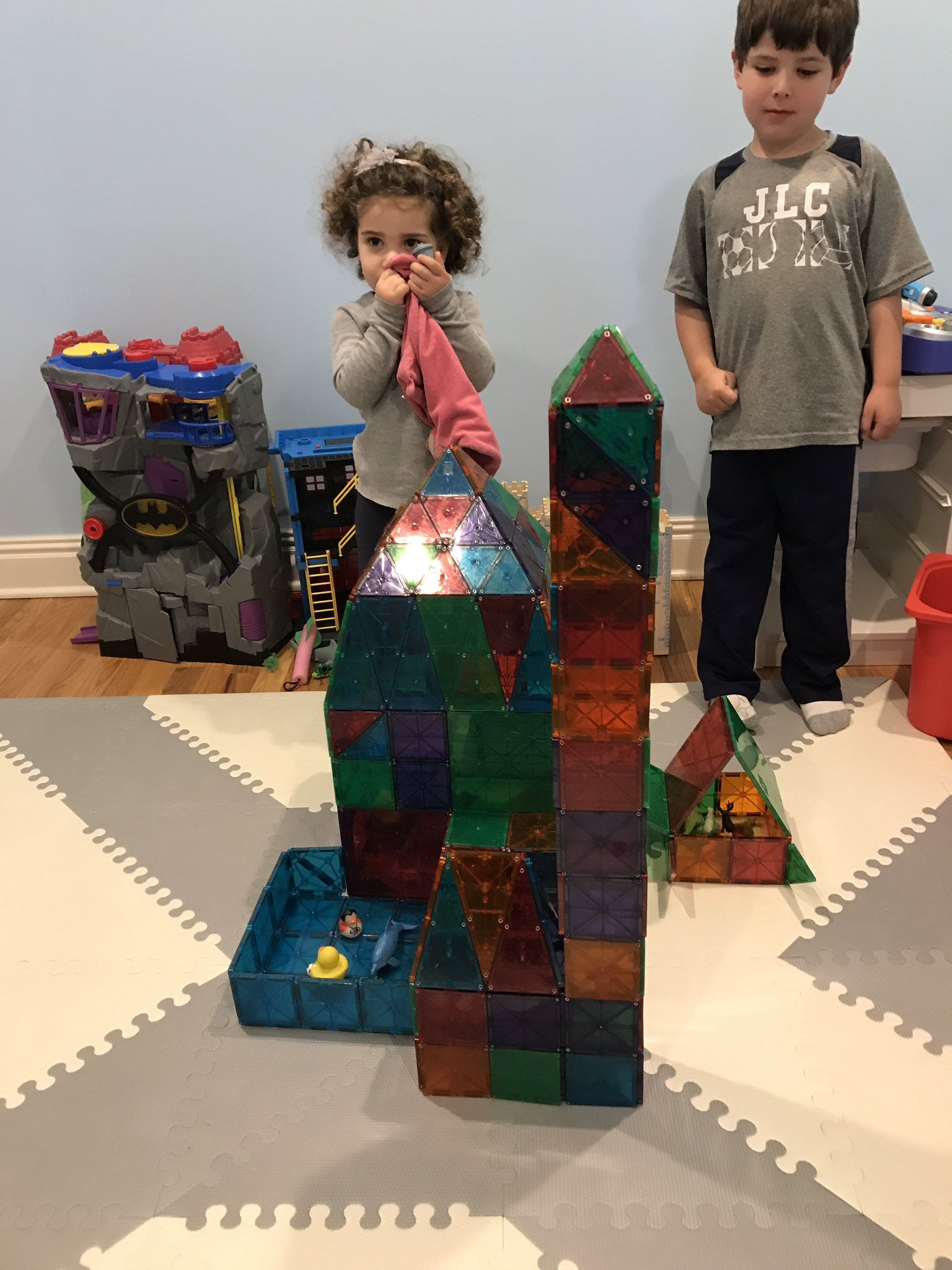 Magnatiles My Builders Have A New One For You Castle Tower Non Denominational Place Of Worship Lake Garage And Barn Poted