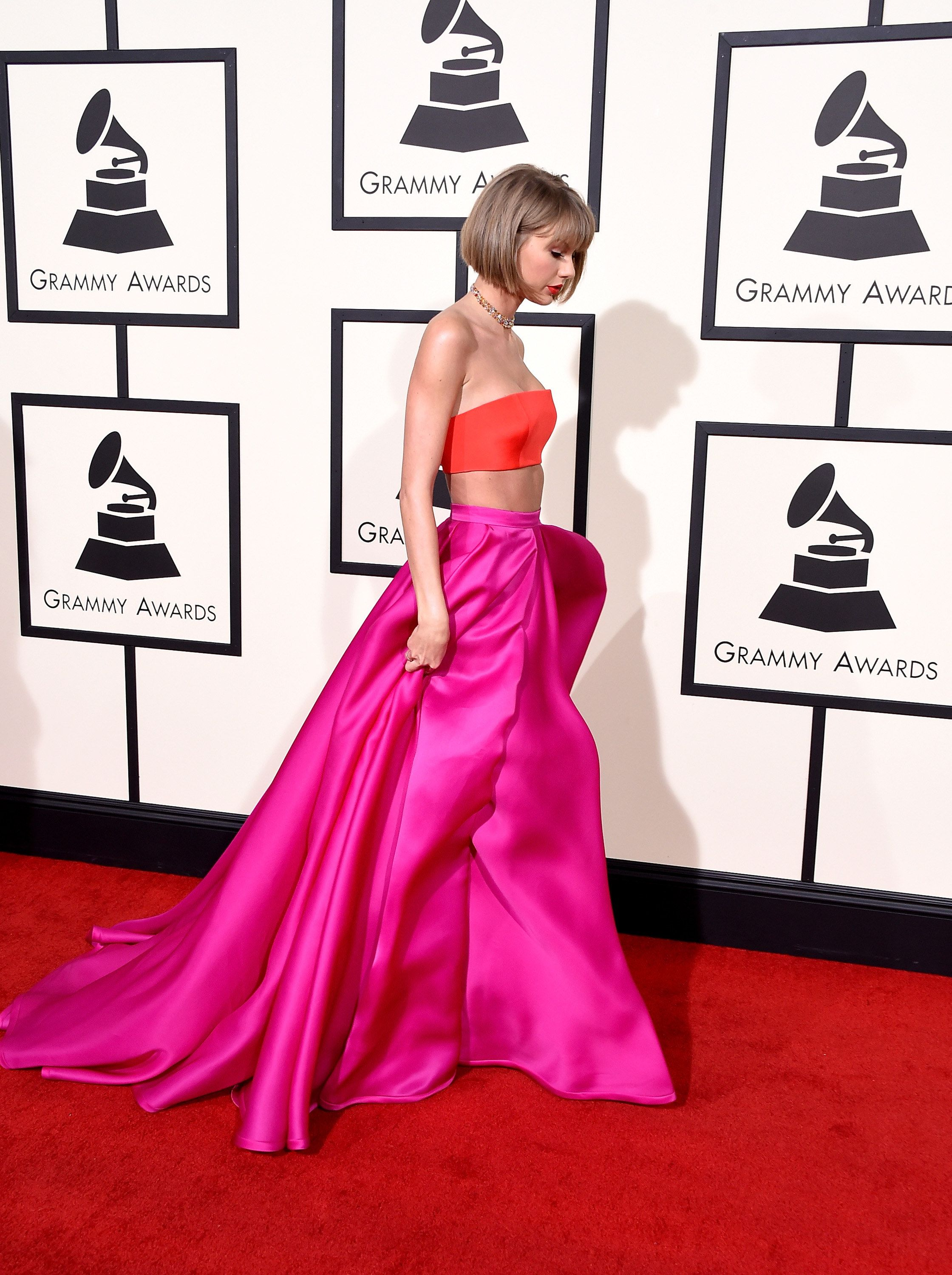 Taylor Swift S Grammy Look Is Her Most Daring Red Carpet Outfit Ever Grammy Dresses Red Carpet Outfits Taylor Swift Web