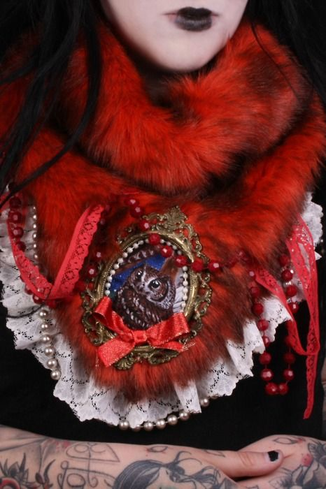 Lil Red's fur stole. ;)