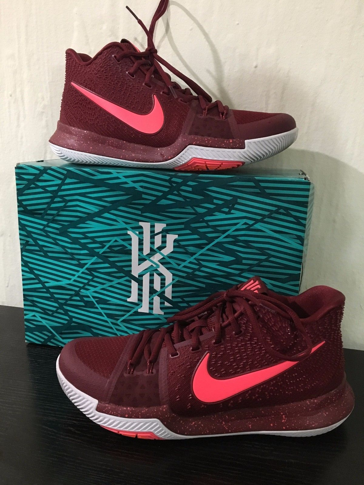 a77fd5d6c660 Nike Kyrie 3   Mens size 10.5   Maroon White
