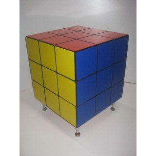 Mesinha Retrô Em Estilo Pop Arte Anos 80's Cubo Mágico Rubik