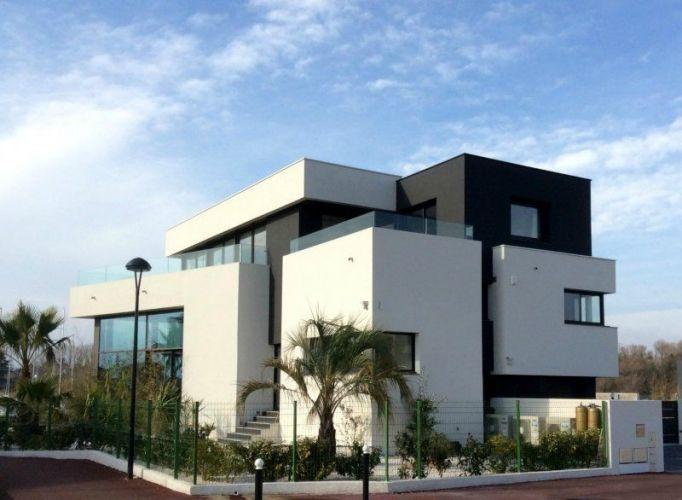 VENTE MAISON DE LUXE PIEDS DANS L\u0027EAU SAINT CYPRIEN PLAGE Villa de