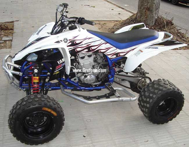 2007 YFZ 450- pretty cool gonna make mine green white and silver ...