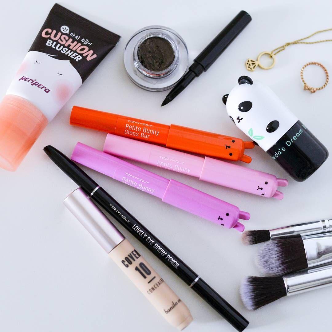 Keep your makeup game on point with these adorable everyday essentials!  #hellocos #makeup #kbeauty #koreanmakeup #koreanskincare #bblogger #asianskincareproducts #asianskincareblogger #peripera #cushionblusher #tonymoly #petitbunnyglossbar #lovelyeyebrowpencil #pandasdream #brighteningeyebase #banilaco #cover10concealer
