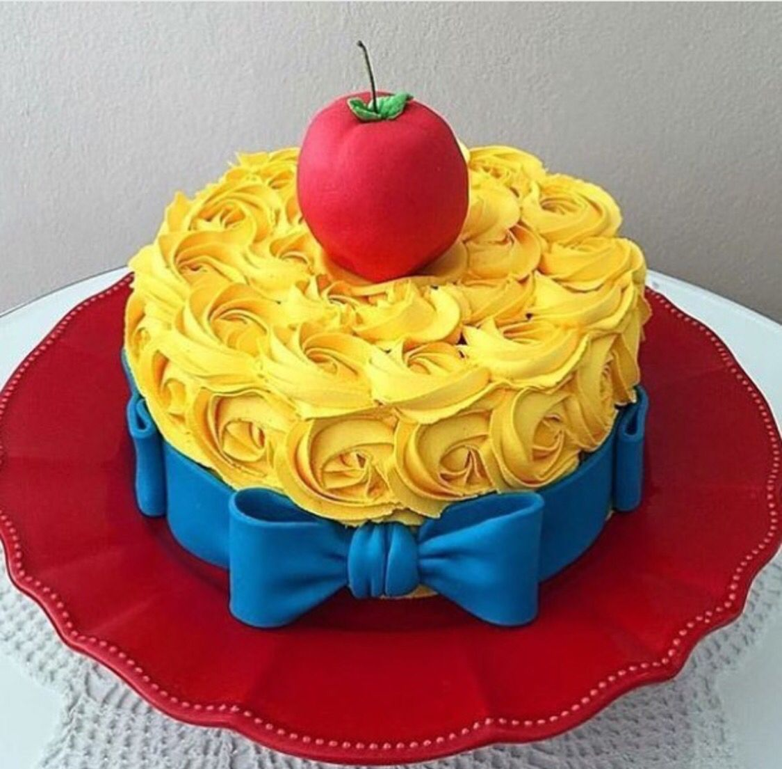 Snow white cake blanca nieves more my th pinterest snow