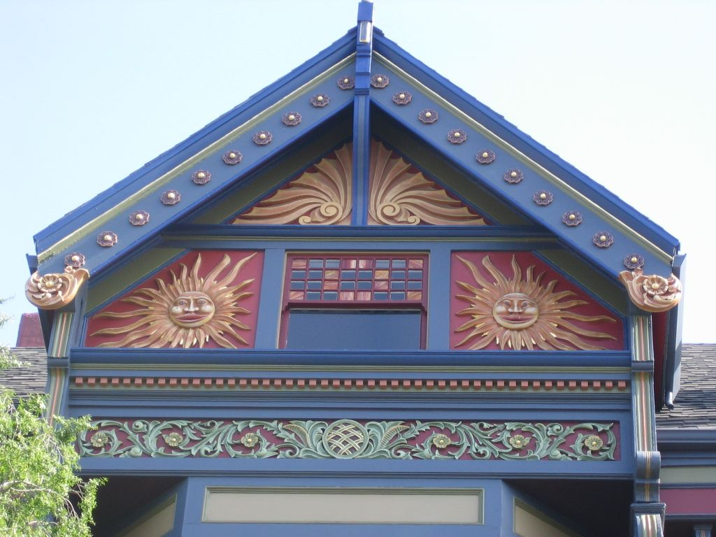 Gabled Roof Of An Amazing Painted Lady Colour Consultant Woman Painting Holiday Decor