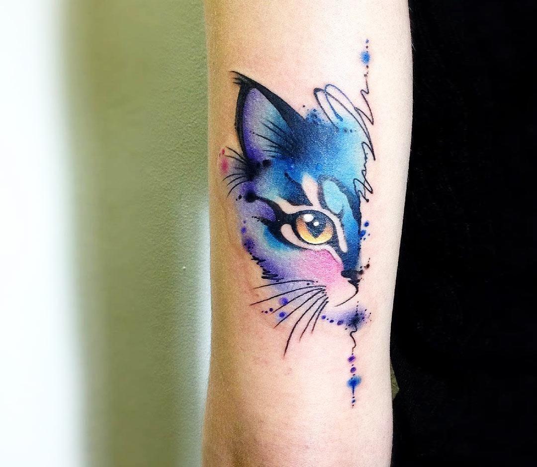 Photo Nice Watercolor Tattoo Style Of Cat Head Motive Done By Tattoo Artist Claudia Denti Large Tattoo In 2020 Watercolor Cat Tattoo Cat Tattoo Designs Cat Tattoo