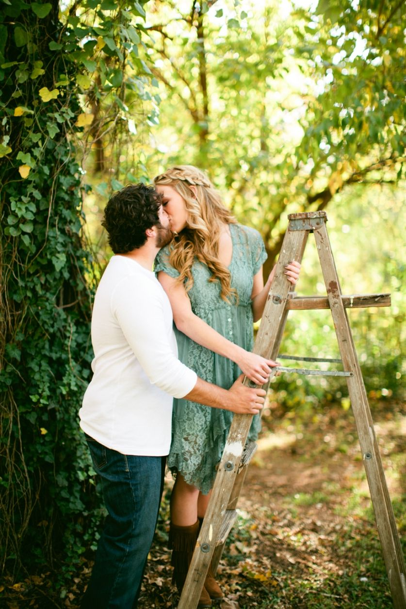 Blog Rent My Dust Vintage Rentals Bohemian Engagement Shoot By Jennefer Wilson Photography Th Couples Engagement Photos Vintage Rentals Engagement Shoots