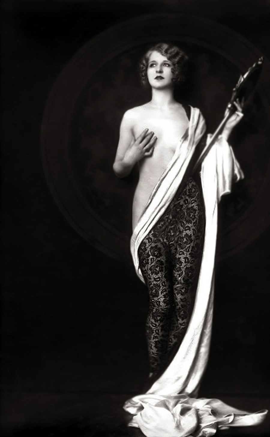Alfred Cheney Johnston-The Ziegfeld Follies en 2020