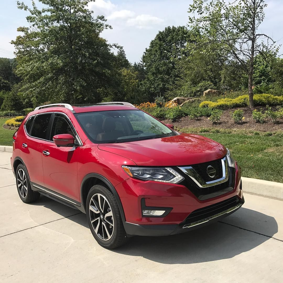 The 2017 nissanusa Rogue SL AWD is more than a pretty