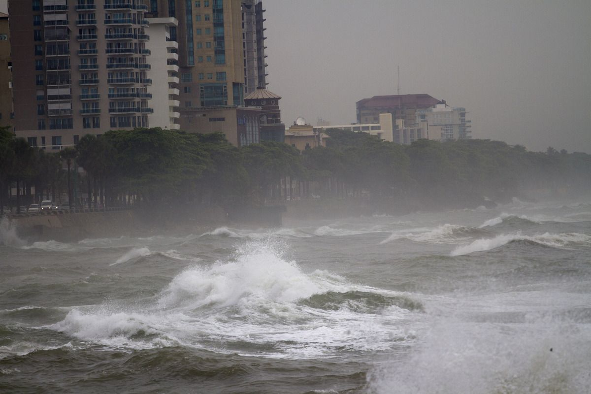 Big Waves Caused By Hurricane Sandy Along The South Coast Of Santo Domingo Hurricane Sandy Hurricane Natural Disasters