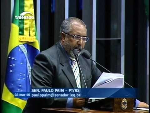 Paulo Paim lê nota de juízes sobre declarações de novo presidente do TST