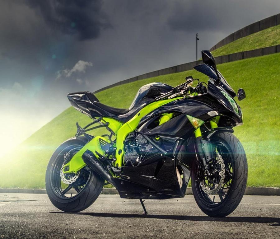 Kawasaki Ninja ZX 6R Sport Bike
