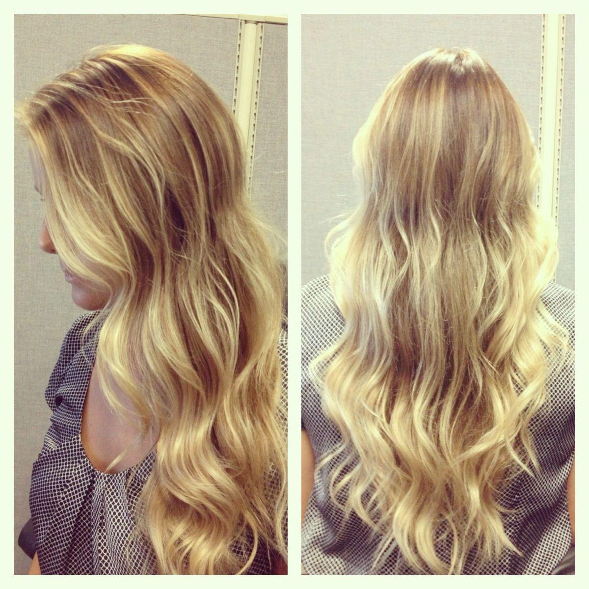 Beachy wavy hair / balayage / blond / blonde / natural looking highlights / summer